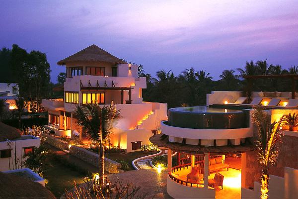 Aleenta Resort & Spa - Evening