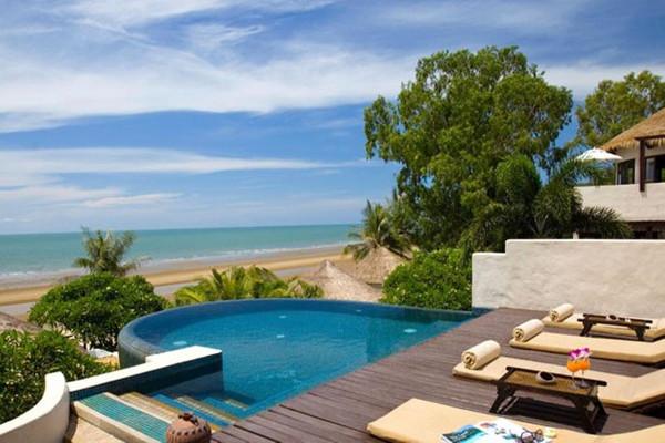 Aleenta Resort & Spa - Poolside View