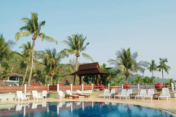 Rayong Resort - Poolside View 2